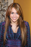 Miley Cyrus backstage at the ''Rachel Ray Show'' in New York City - April 8, 2009 x11HQ