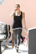 http://img148.imagevenue.com/loc497/th_893605272_Hilary_Duff_heading_to_pilates_class7_122_497lo.jpg