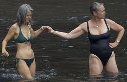 http://shore-215.blogspot.ca/: Jamie Lee Curtis Rocks a Swimsuit ...
