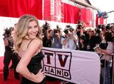 th_28102_Celebutopia-Sarah_Chalke-6th_Annual_TV_Land_Awards_Arrivals-10_122_869lo.jpg
